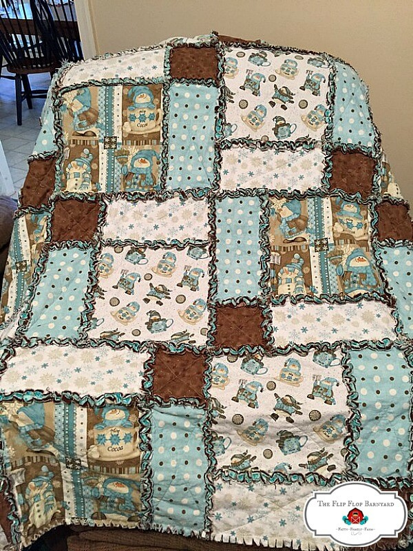 photo of finishes rag quilt after being ragged in the dryer.